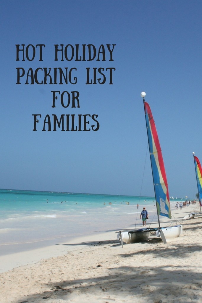 Family Beach Packing Checklist: The Ultimate Beach Packing List with everything that you need to pack for your next family beach vacation. An easy and simple list to help you pack for a hot holiday with the kids. A simple checklist that is PRINTABLE for families that loves beach vacations including beach clothing, beach gear, travel gear and more!