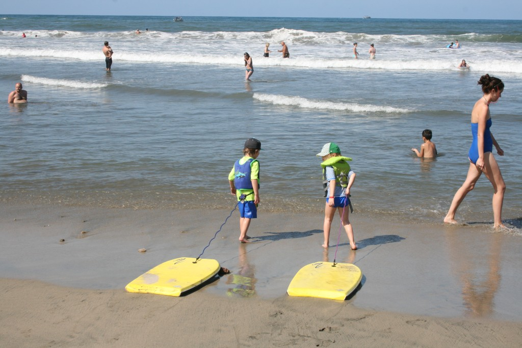 Looking to take a Sayulita day trip from Puerto Vallarta or Nuevo Vallarta? Find out all the details of things to do in Sayulita, Mexico for the day including surfing, boogie boarding, food and more. Best way to take a day trip from Puerto Vallarta to the surf town of Sayulita. #mexico #sayulita #beachtrip #daytrip
