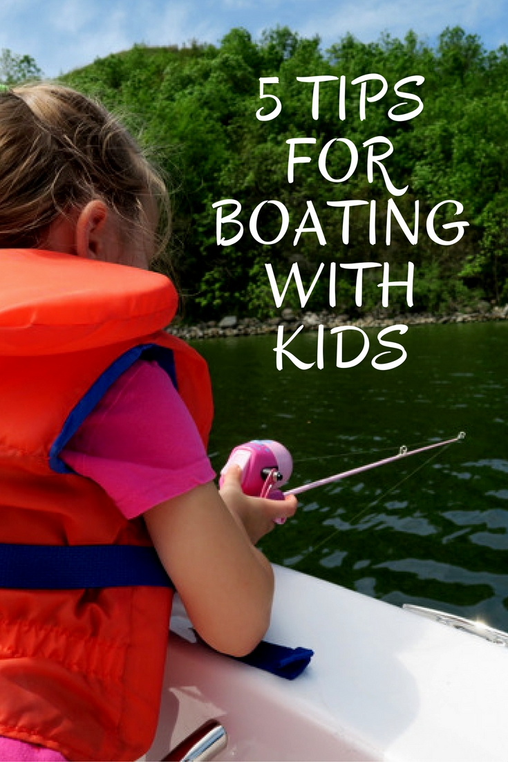 Find out all the details you need to know and Tips for Boating with Kids! Including keeping them busy, kids boating safety, fun and easy activities for kids on boats and more! Whether you are boating with a toddler, boating with a baby or boating with kids all these tips will help them stay safe in the sun. #boatingkids #kidsboating #kidsboatsafety #waterbabies #boatlife #kidswater