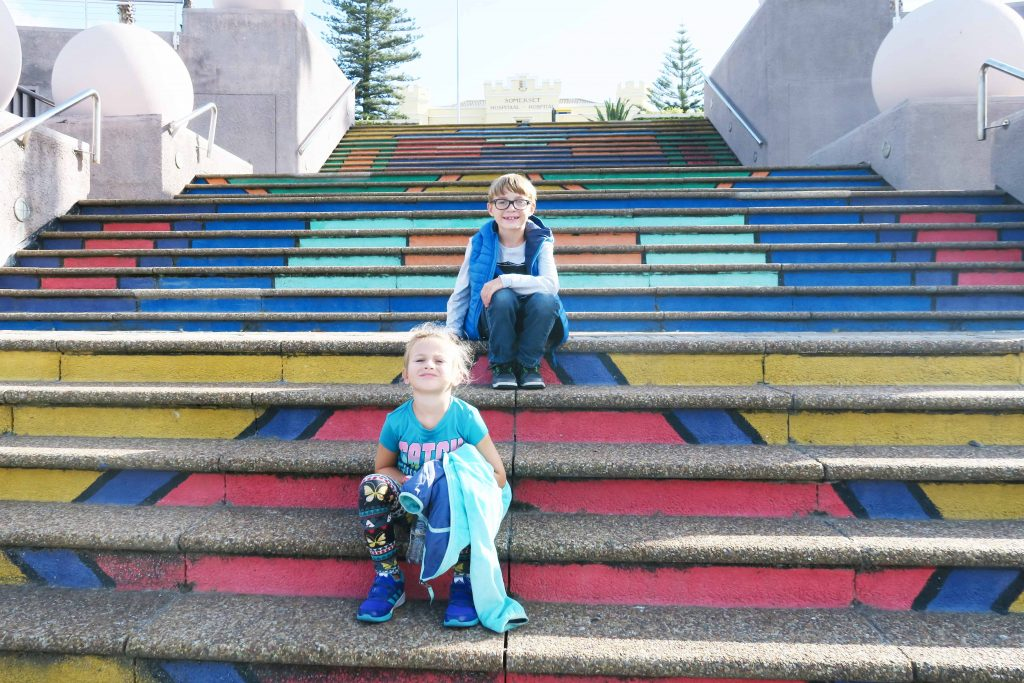 Find out the best itinerary for Cape Town with kids. Some family friendly things to do in Cape Town, South Africa including Table Mountain, V & A Waterfront, Boulders Beach, Cape of Good Hope, Cape Point, Robben Island, Stellenbosch, Lion's Head and so much more for the best Cape Town itinerary for families. #capetown #southafrica #tablemountain #capepoint #capeofgoodhope