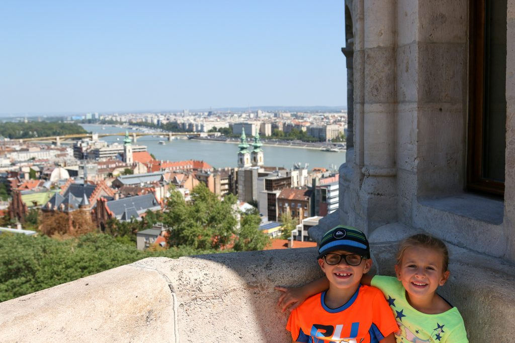 25 Best countries to visit with kids! Find out the best family friendly countries to visit that are safe, fun, easy, and kid friendly. Places that are great for children of any age including toddlers or babies too! All these are the best travel places to take kids - we should know since we've taken our kids to ALL of these countries for our family vacations. #bestcountries #worldtrip #familytravel #kidstravel #travelbuckelist #kidswhotravel